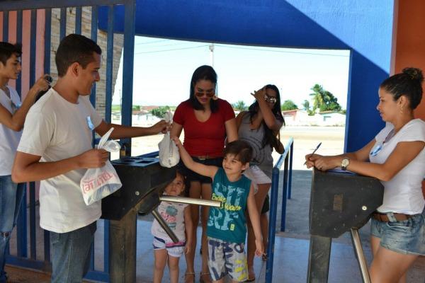 No RN, militares arrecadam 250kg de alimentos para famílias de Goianinha