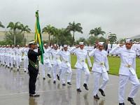 Desfile em continência à Bandeira Nacional