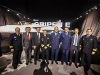 Comitiva da MB junto a representantes da empresa sueca SAAB e da COPAC/FAB