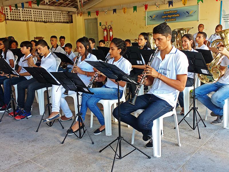 Alunos do Pro Música – Ondas Musicais na apresentação no Instituto Juvino Barreto