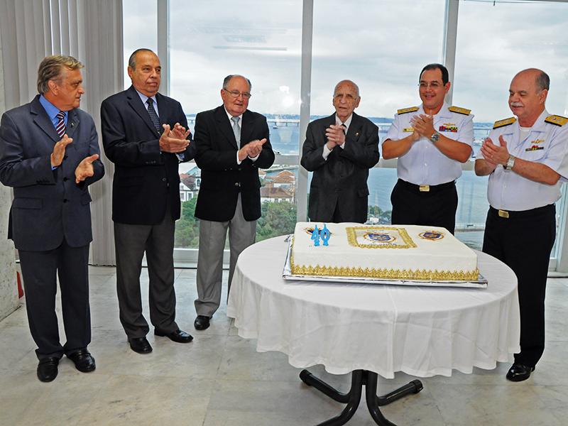 Autoridades durante a cerimônia de comemoração do 40º aniversário da DOCM