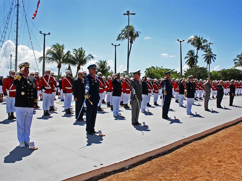 Militares agraciados com a medalha