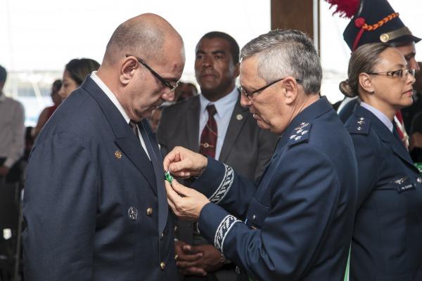 Ministério da Defesa homenageia civis, militares e instituições em cerimônia em Brasília