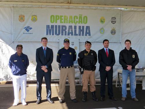 Marinha apoia Receita Federal na Operação Muralha