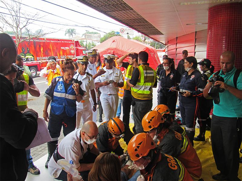 Marinha participa de simpósio e simulado de gerenciamento de catástrofes em São Paulo