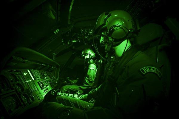 Força Aérea Brasileira infiltra tropas do Exército na tríplice fronteira