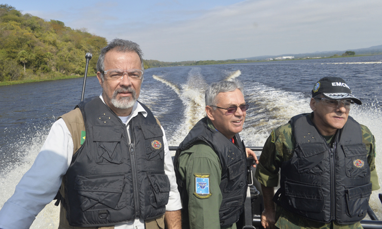 Ágata 11: Ministro Jungmann acompanha ações em Corumbá