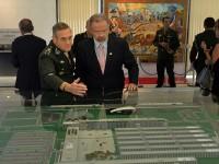 General Villas Bôas expõe detalhes de planejamento, projetos estratégicos e orçamento da Força Terrestre