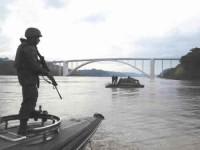 Militares da Capitania Fluvial do Rio Paraná atuaram na Ponte da Amizade, entre Brasil e Paraguai