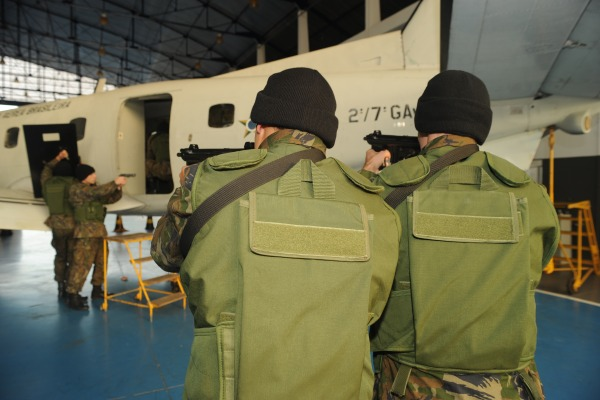 Base Aérea de Florianópolis sedia exercício simulado de apoderamento ilícito de aeronaves
