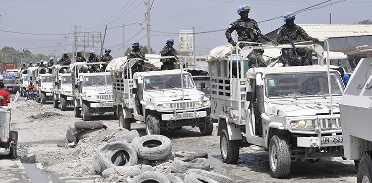 """Batalhão Porto Príncipe executa Operação """"Nós estamos aqui"""""""