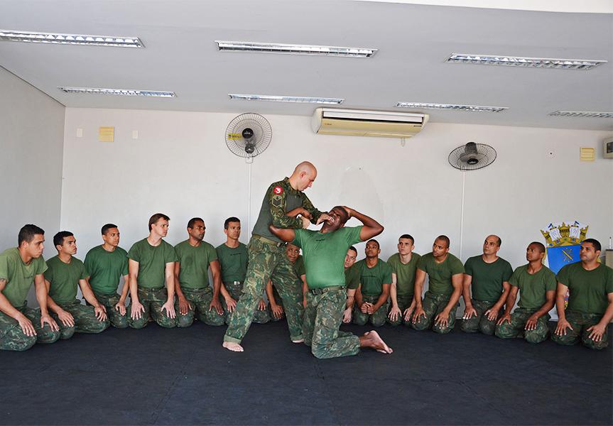 BNRJ realiza o 1º Curso de Defesa Pessoal Militar