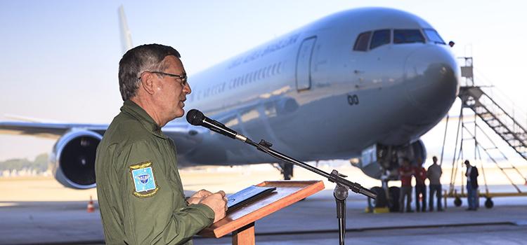 Boeing 767 300ER, que será usado nas Olimpíadas, pousa em solo brasileiro