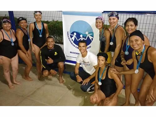 Voluntárias Cisne Branco promovem Circuito de Natação