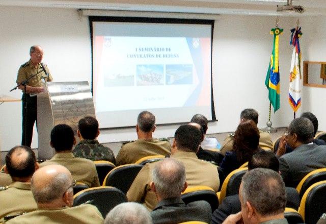 Chefe do DCT realiza abertura do 1º Seminário de Contratos de Defesa em Brasília
