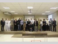 Autoridades civis e militares reunidas após a assinatura do convênio