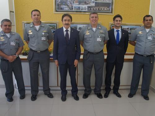 EAMCE recebe visita de parlamentares