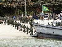 Desembarque da tropa de fuzileiros navais, da Marinha do Brasil, como parte de um treinamento para a segurança e defesa dos Jogos Olímpicos e Paralímpicos Rio 2016.