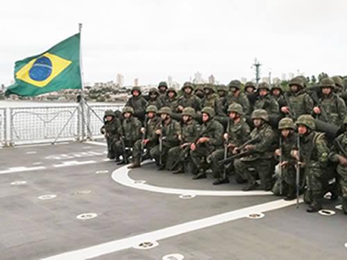 Fuzileiros Navais participantes do adestramento