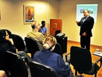 Comandante Menezes profere palestra aos oficiais e servidores civis da PEM
