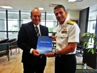 Ministro Augusto Nardes recebe a obra Amazônia Azul - A Última Fronteira das mãos do Almirante Barreto Rodrigues