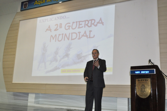 EsPCEx realiza homenagem aos heróis da Força Expedicionária Brasileira
