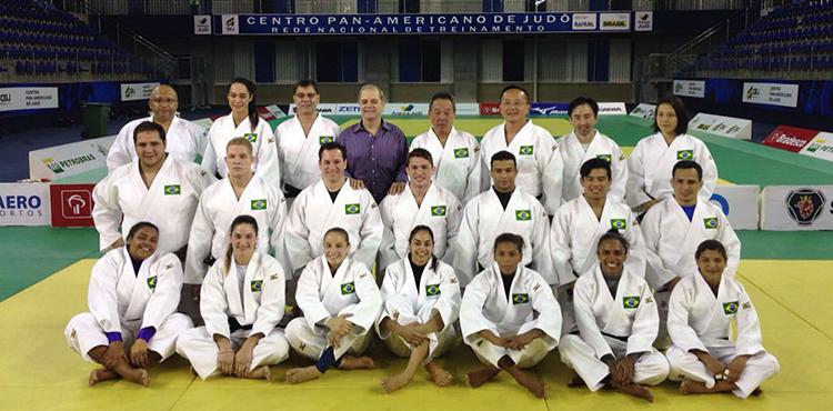 No Centro Pan-Americano, Seleção de Judô recebe quimono oficial e entra no clima dos Jogos