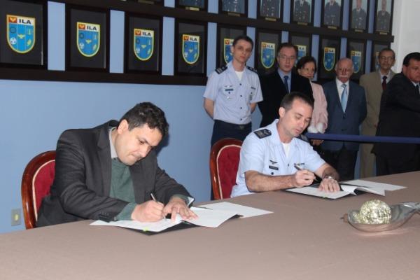 Unidades assinam instrumento de cooperação em ensino e pesquisa logística