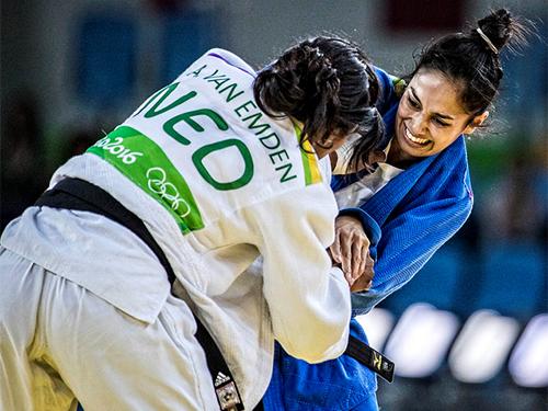 Apesar da derrota na fase semi-final, a Terceiro-Sargento Mariana Silva (D) obteve um grande resultado com a quarta colocação - CBJ