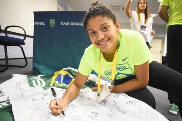 Brasil estreia no badminton com atletas da FAB