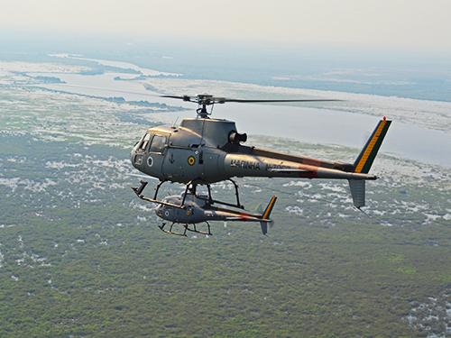 Helicópteros sobrevoando o Pantanal