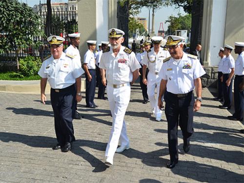 Comandante da Marinha portuguesa visita Comando do 1º Distrito Naval