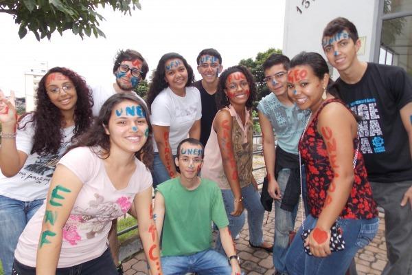 Cursinho mantido por alunos do ITA já aprovou mais de 2,5 mil alunos