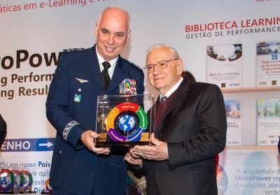 FAB é destaque em prêmio de educação a distância e gestão de talentos