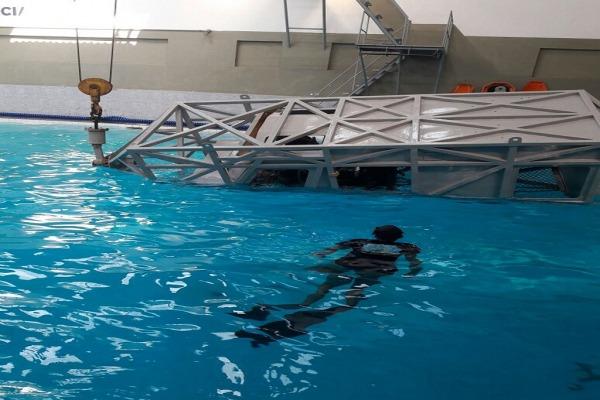 Aspirantes do esquadrão Rumba simulam ações emergenciais em caso de pouso forçado