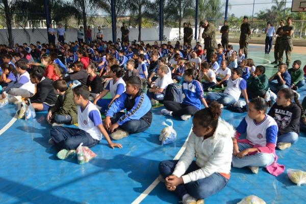 Escola de Especialistas dobra número de crianças atendidas pelo Programa Forças no Esporte