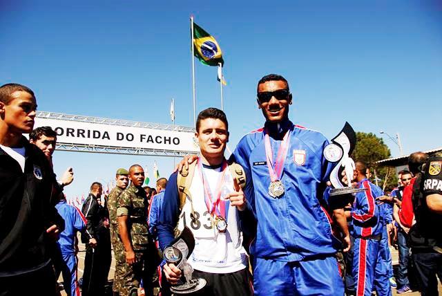 """79ª Corrida do Facho dá a Largada """"Olímpica"""" à Semana do Soldado na 5ª DE"""