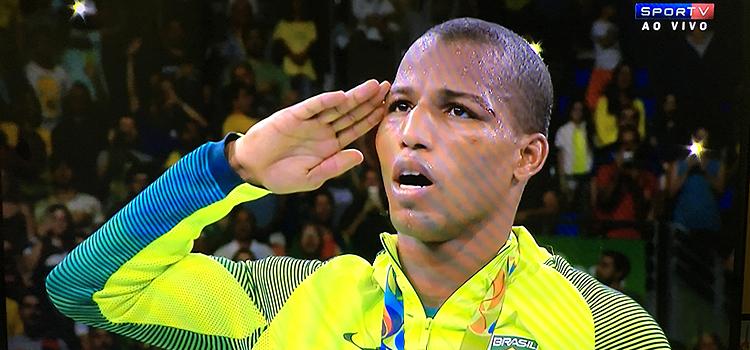 Mais um ouro militar: sargento da Marinha vence final de boxe