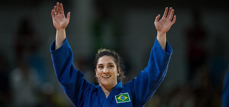 Sargento da Marinha Mayra Aguiar repete o feito de Londres e conquista medalha para o Brasil