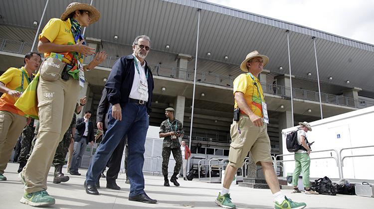 Rio 2016: Ministro da Defesa conhece o Centro Olímpico de Hipismo, em Deodoro