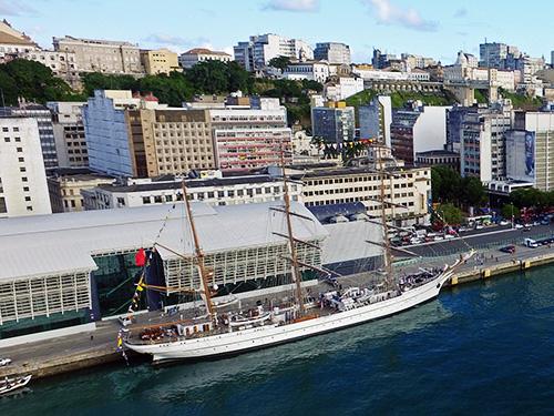 """Comando do 2º Distrito Naval recebe visita do NRP """"Sagres"""""""