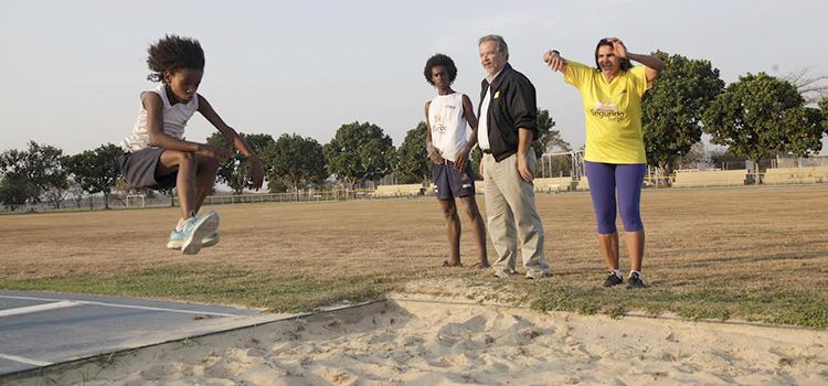 Após o contato com alguns atletas que treinam no CEFAN, o ministro percorreu os locais de treinamento