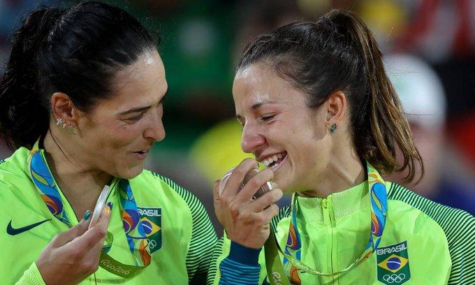 Sargentos Ágatha e Bárbara garantem medalha de prata para o Brasil