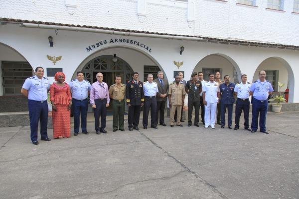 Integrantes do Conselho Internacional do Esporte Militar conheceram museu da FAB