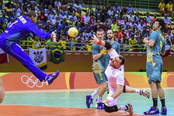 Seleção de handebol masculina enfrenta a Eslovênia