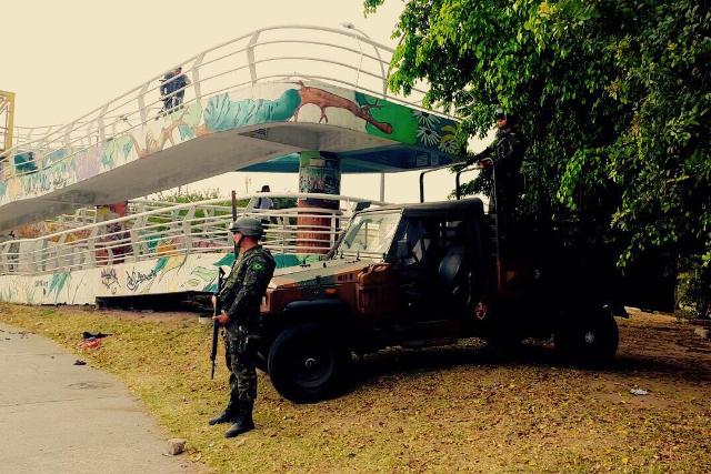Exército mantém segurança nas vias expressas do Rio
