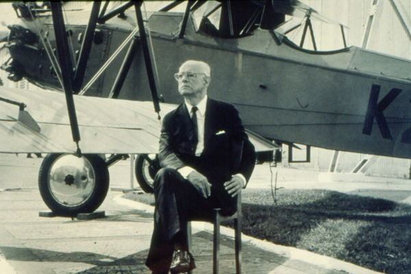 Nascimento do Marechal do Ar Eduardo Gomes Patrono da Força Aérea Brasileira