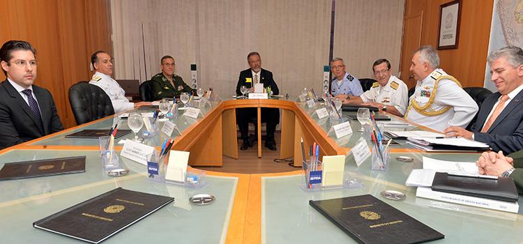 BID Brasil apresenta a universitários mercado de Defesa