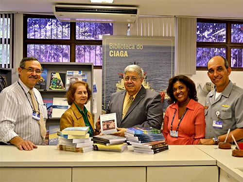 CIAGA recebe doação de livros