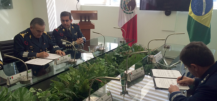 Defesa assina acordo de entendimento com ministério da Defesa do México